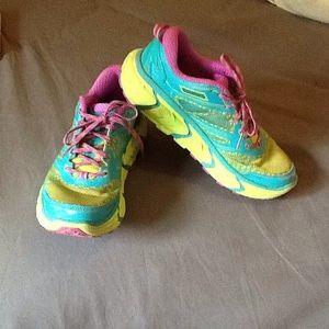 Hoka Shoes - ⚡💕️SALE⚡️HOKA ATR2 AquaFuscia sneakers!
